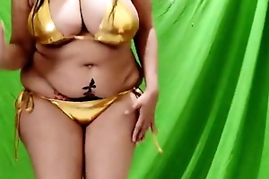 Sona bhabhi in gold bikini
