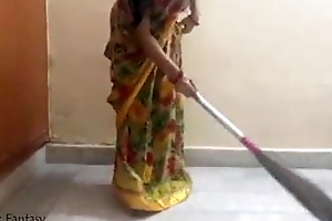 Indian gf has sex with her hotshot for money