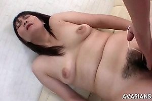 Horny guy fingering then fucking her fat hairy pussy