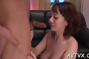 Enjoyable asian spruce surrenders will not hear of twat be useful to some lusty toying