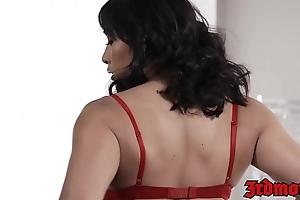 Prex Asian Mia Li sucks balls while receiving a fat facial