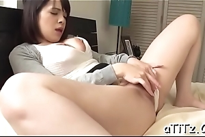 Big milk shakes japanese stimulates her cunt less running toys