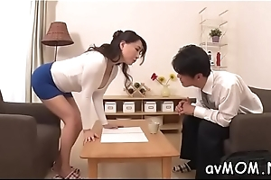 Slim mom positions her tight cunt on hard horseshit whilst deepthroating