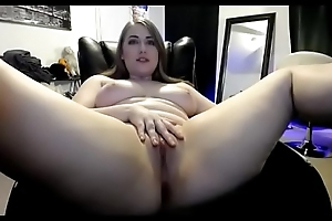 Beautiful thick live show shaved pussy