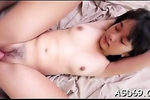 Sucking a dick makes her gay