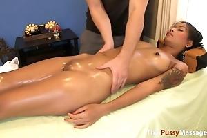 Sexy Thai girl fucks masseur