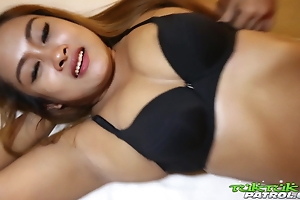 TUKTUKPATROL Thick Thai Babe Bends Over Be required of Rough Have sexual intercourse