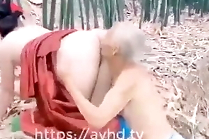 Young Asian girl seduces Whoremonger